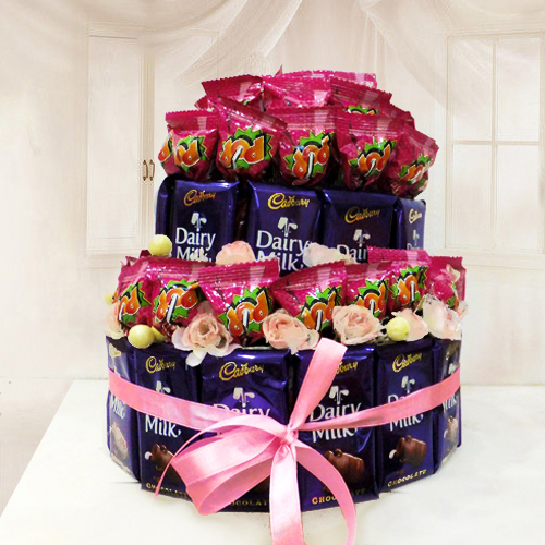 2 Tier Arrangement of Dairy Milk with Lollipops