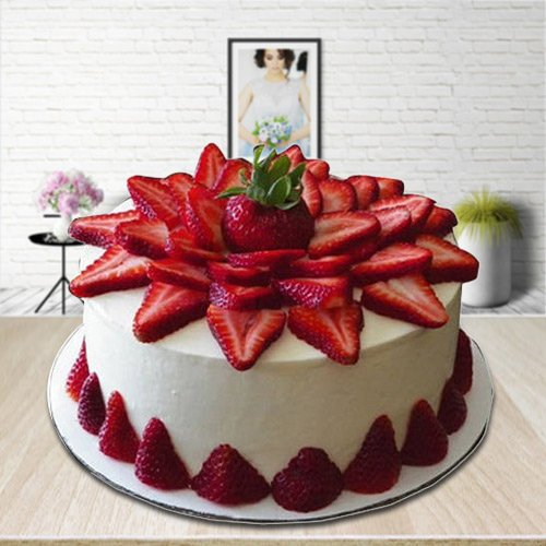 Splendid Strawberry Cake