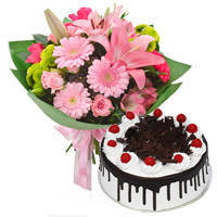 Online Deliver Black Forest Cake N Mixed Flowers Bouquet
