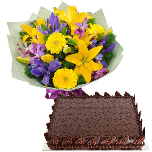 Exquisite Combination of Choco Cake n Mixed Flower Bunch