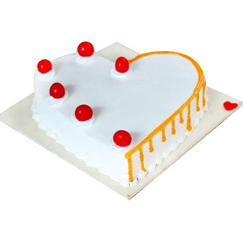 Enthralling Vanilla Cake in Heart-Shape