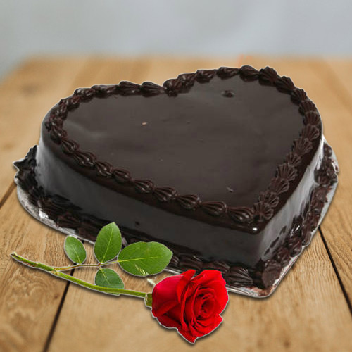 Fabulous Combo of Heart-Shape Chocolate Cake N Red Rose