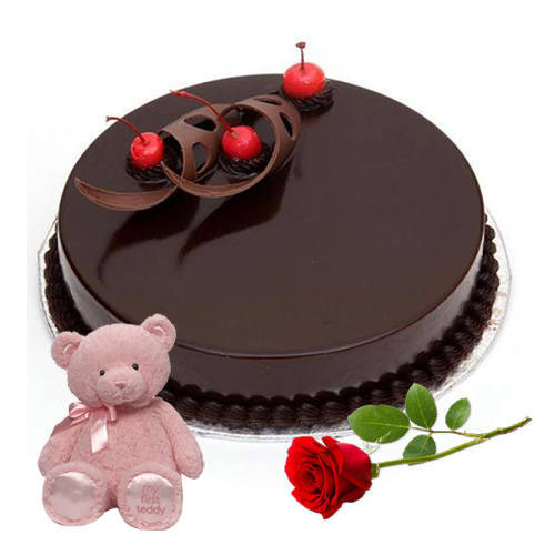 Soft-Textured Chocolate Cake with Teddy N Red Rose