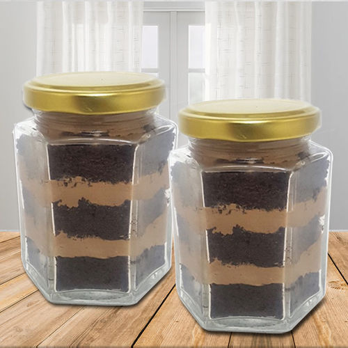 Tempting Chocolate Jar Cake Set
