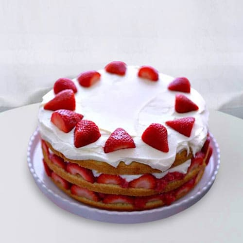 Classic Strawberry Cake for Anniversary