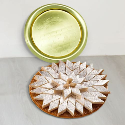 Hamper of Kaju Katli with Golden Plated Thali