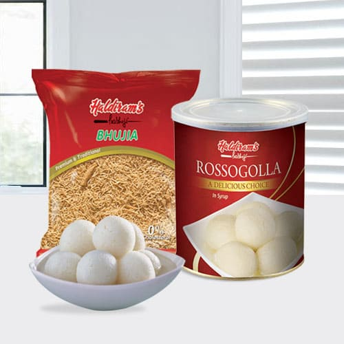 Yummy Haldirams Rasgulla and Bhujia