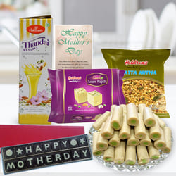 Captivating Mother's Day Influence Gift Pack