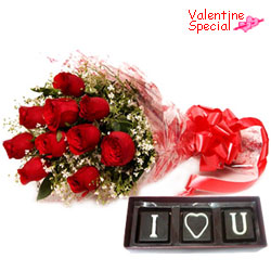 Impressive V-day Gift of I Love You Hand Made Chocolates with Red Roses Bouquet