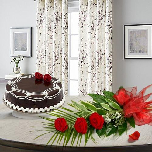 Choco Cake N Red Roses Combo