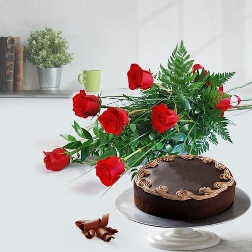 Welcoming Red Roses Bouquet with Chocolate Cake