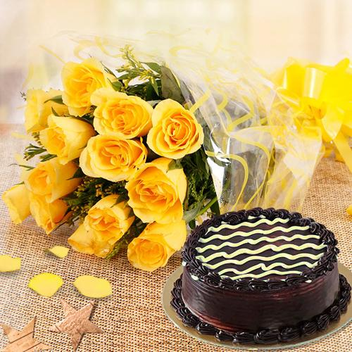 Yellow Roses Bunch N Chocolate Cake