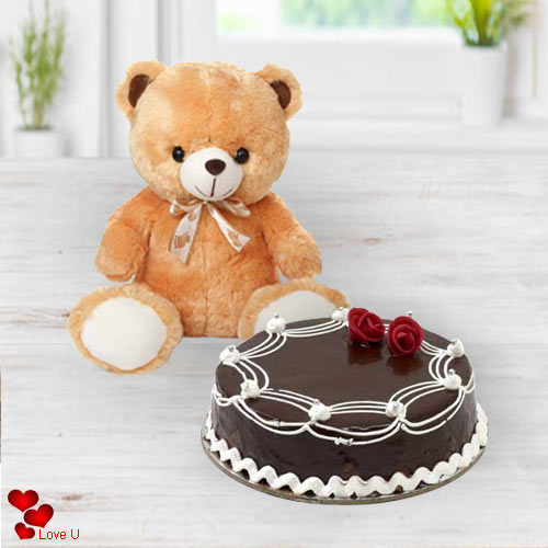 Lip-Smacking Chocolate Cake with Brown Teddy