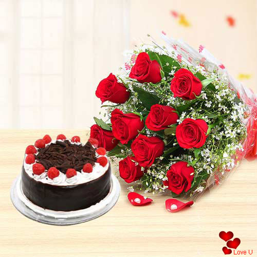 Exquisite Gift of 12 Red Roses with Appetizing Cake