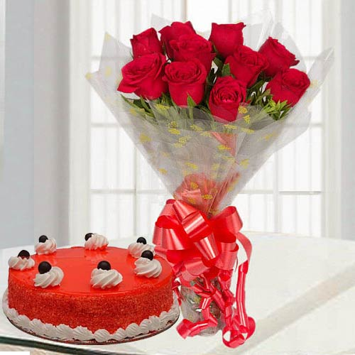 Breathtaking Combo of Red Rose Bouquet & Red Velvet Cake