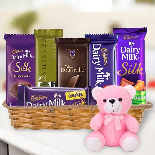 Online Gift Hamper of Chocolates N Teddy