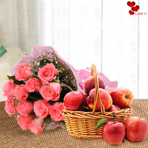 Fantastic Gift of Fresh Apples Basket with Pink Roses Bouquet