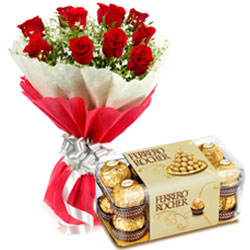 Midnight Combo of Vibrant Red Roses Bouquet with Ferrero Rocher