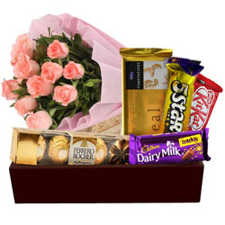 Festive Treat Gift Hamper with Pink Rose Bouquet