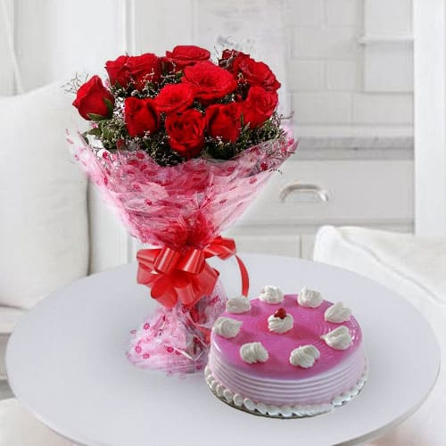 Delicious Birthday Cakes with Roses