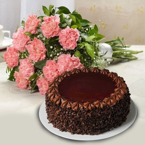 Lip-Smacking Cake with 12 Carnations for Mother with Impression of Love