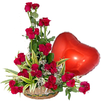 Heart Shaped Balloon N Red Roses