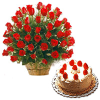 Attractive 100 Roses with tasty 2 Lbs Black Forest Cake
