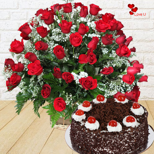 Luxurious Dutch Red Roses with Appetizing Cake