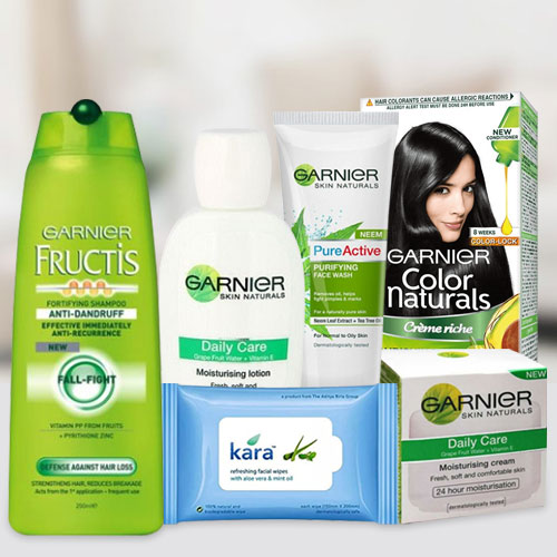 Adorable Total Care Gift Hamper for Women from Garnier