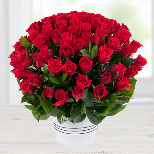 Online Arrangement of Beautiful Dutch Roses