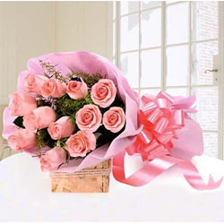 Eye-Catching Bouquet of Pink Roses