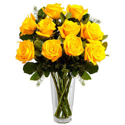 Attractive Arrangement of Yellow Roses in a Vase