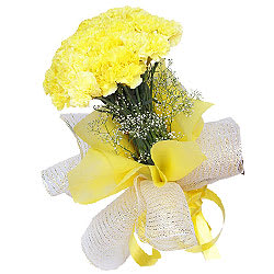 Fascinating Bouquet of Yellow Carnations