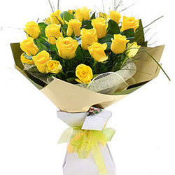 Blusing Yellow Roses Bunch