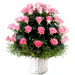 Awesome Arrangement of Pink Roses