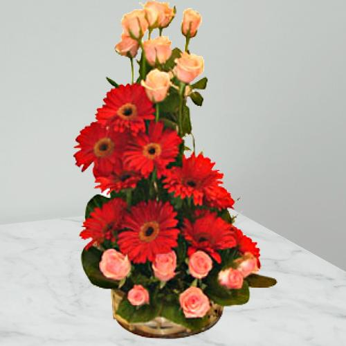 Stunning Arrangement of Gerberas N Roses