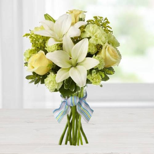 Delightful Seasonal Flowers Bouquet