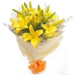 Gentle Bouquet of 6 Yellow Lilies