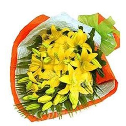 Attractive Bouquet of 8 Yellow Lilies