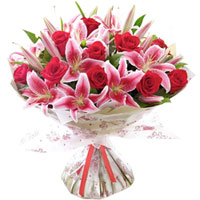 Fragrant Bouquet of Red Roses with Pink Lilies