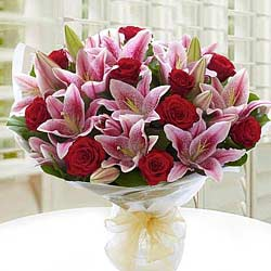 Lovely Lilies n Roses Bunch