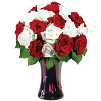 Charming Selection of Red N White Roses in a Glass Vase