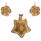 Outstanding Star Saped Floral Jewelry Set in Gold Metal