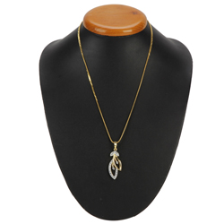 Attractive and Appealing Gold Plated Necklace with Tranquil Leaf Pendant