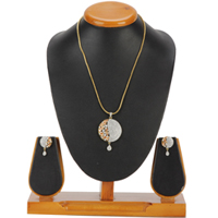 Stylized Lushness Pendent and Earrings Set