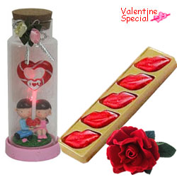 Fancy Intimacy Thermos with a 5 pcs Lip Shaped Hand Made Chocolate & a Free Velvet Rose