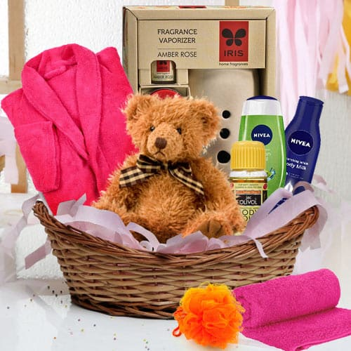 Amazing Beauty Gift Hamper with Teddy Bear for Her